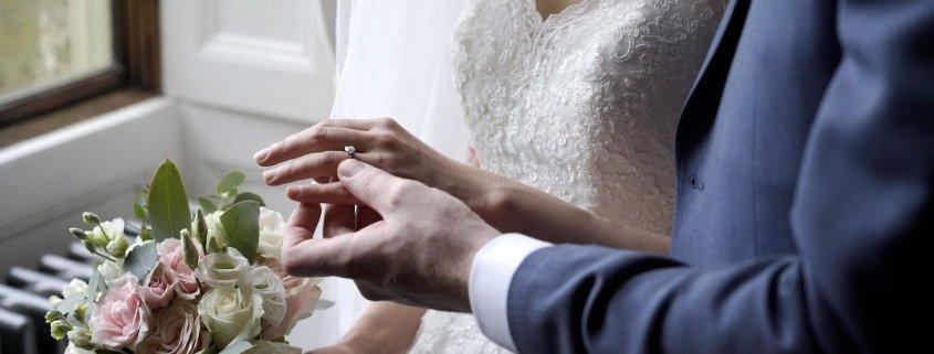 Mark Dan wedding film Ashridge House full ring